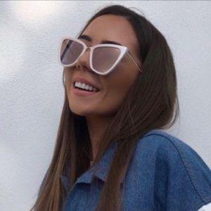 Quay Reina Cat Eye Sunglasses In Pearl Rose Lenses